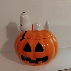 Snoopy candy dish